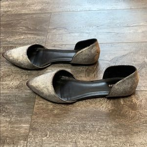 Express Silver Pointed Toe Flat Size 9
